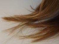 Ohne Silikone gepflegtes Haar