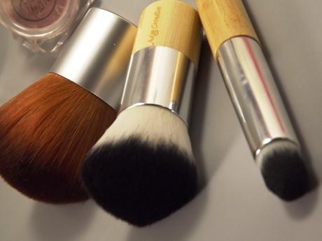 Vegane Kosmetik Pinsel von Angel Minerals